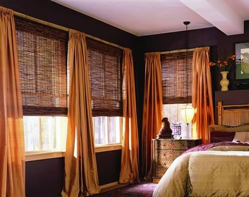 шторы или жалюзи